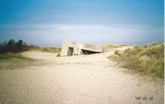 bunker in sand juno